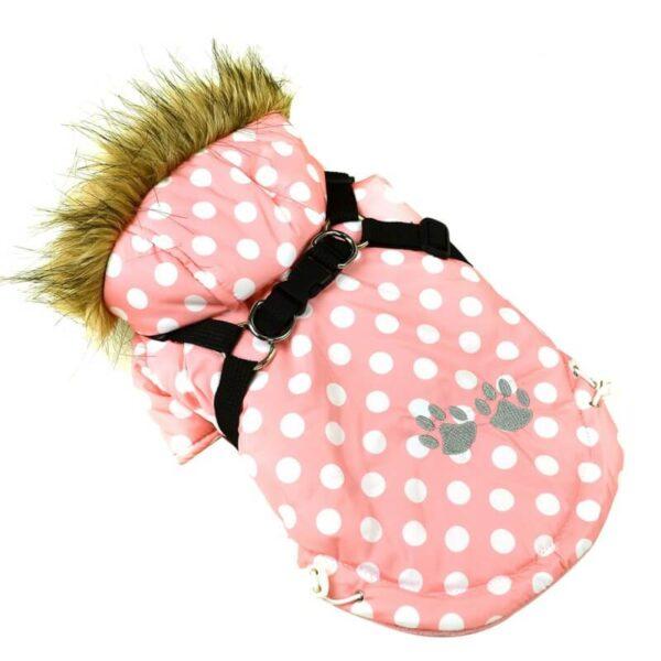 Miniaturka kurtka zimowa z szelkami ocieplana dla psa różowa białe kropki łapki niebieskie z kapturem obszytym futerkiem